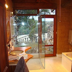 Main bathroom in the Homestead with views!!